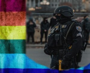 should LGBT be allowed in defence