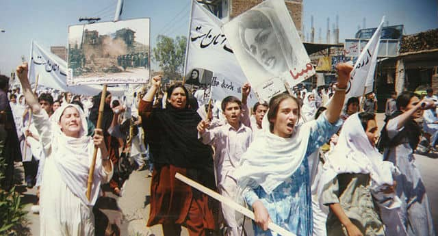 women of afghanistan protesting against taliban
